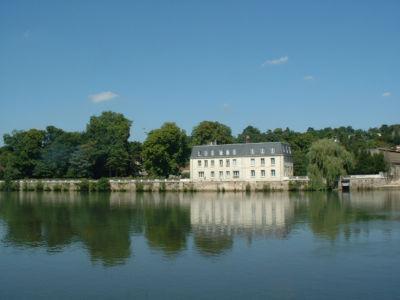 Rive Droite propriété Castel Joli de Waldeck-Rousseau
